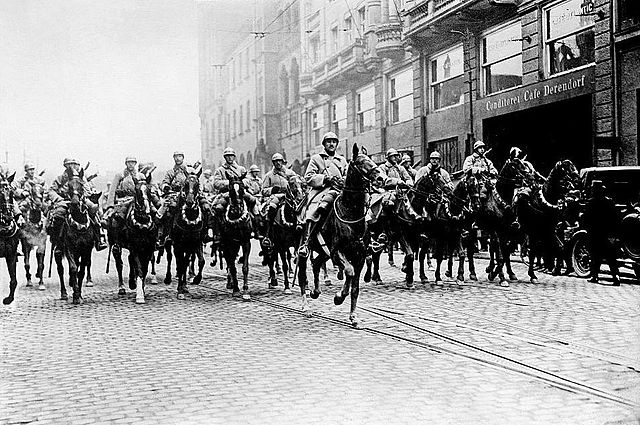 ルール地方の中心都市エッセンに入るフランス軍
