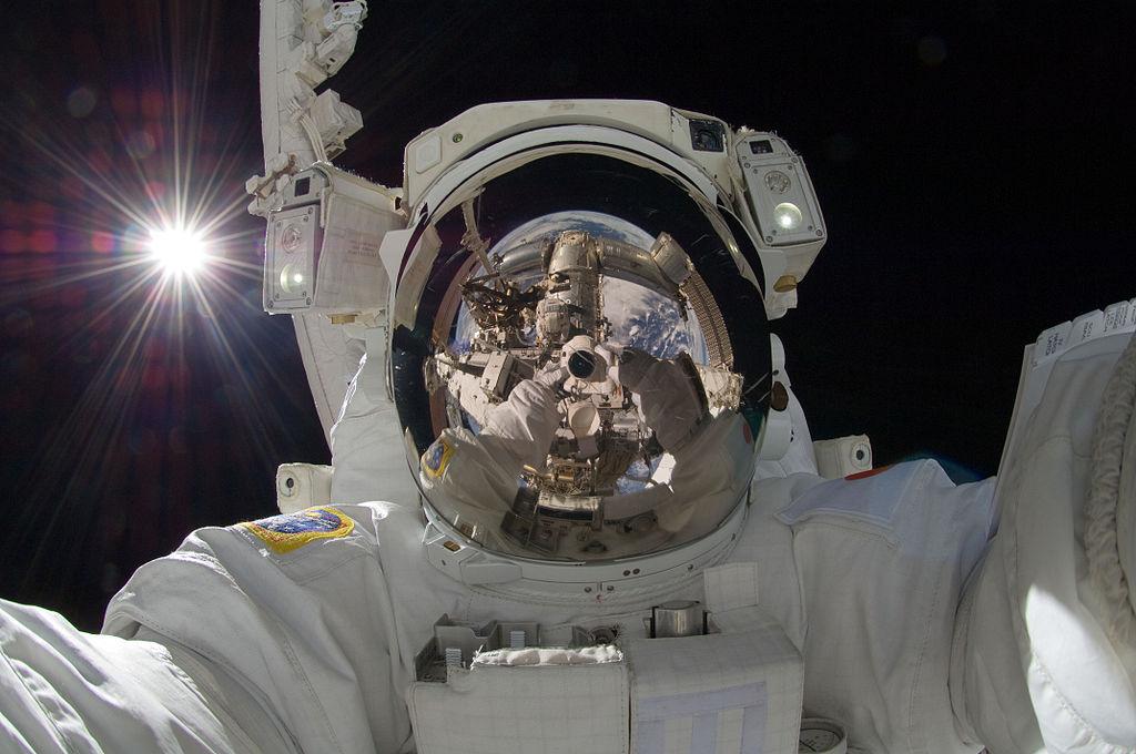 宇宙飛行士のselfie